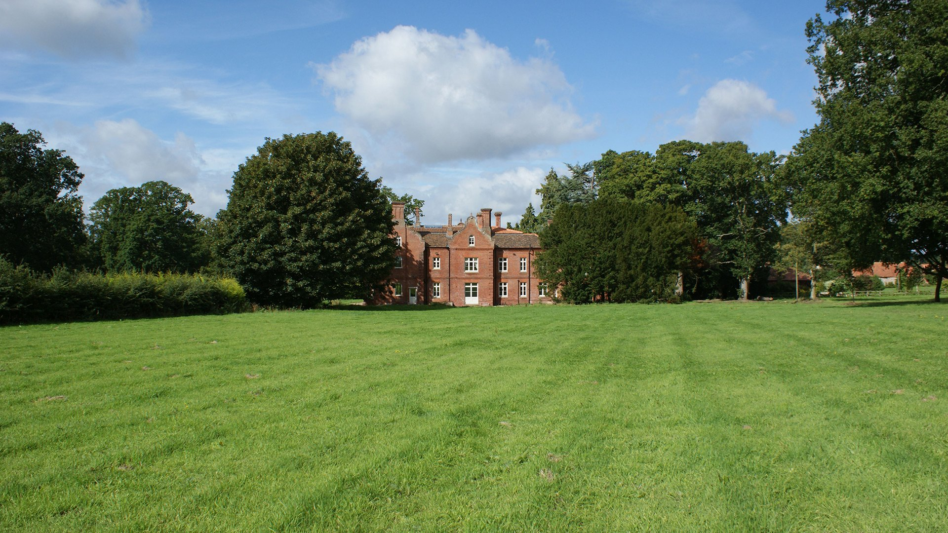 Bessingham Manor